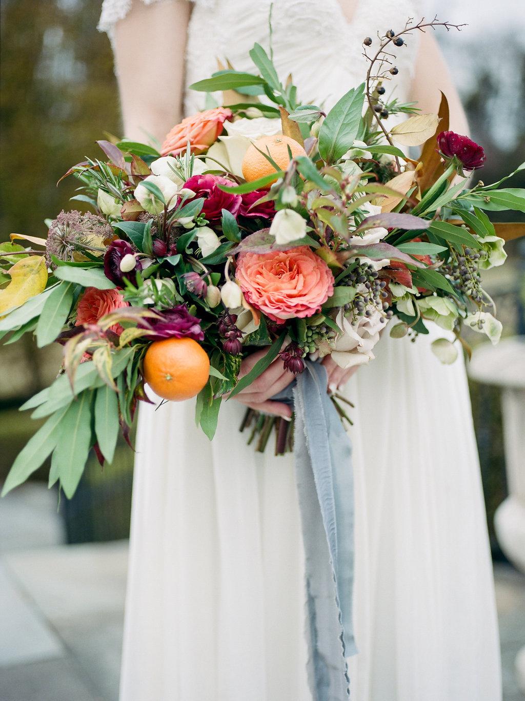 romantic fall wedding bouquets - photo by Lissa Ryan Photography https://ruffledblog.com/modern-romantic-wedding-ideas-with-family-heirlooms
