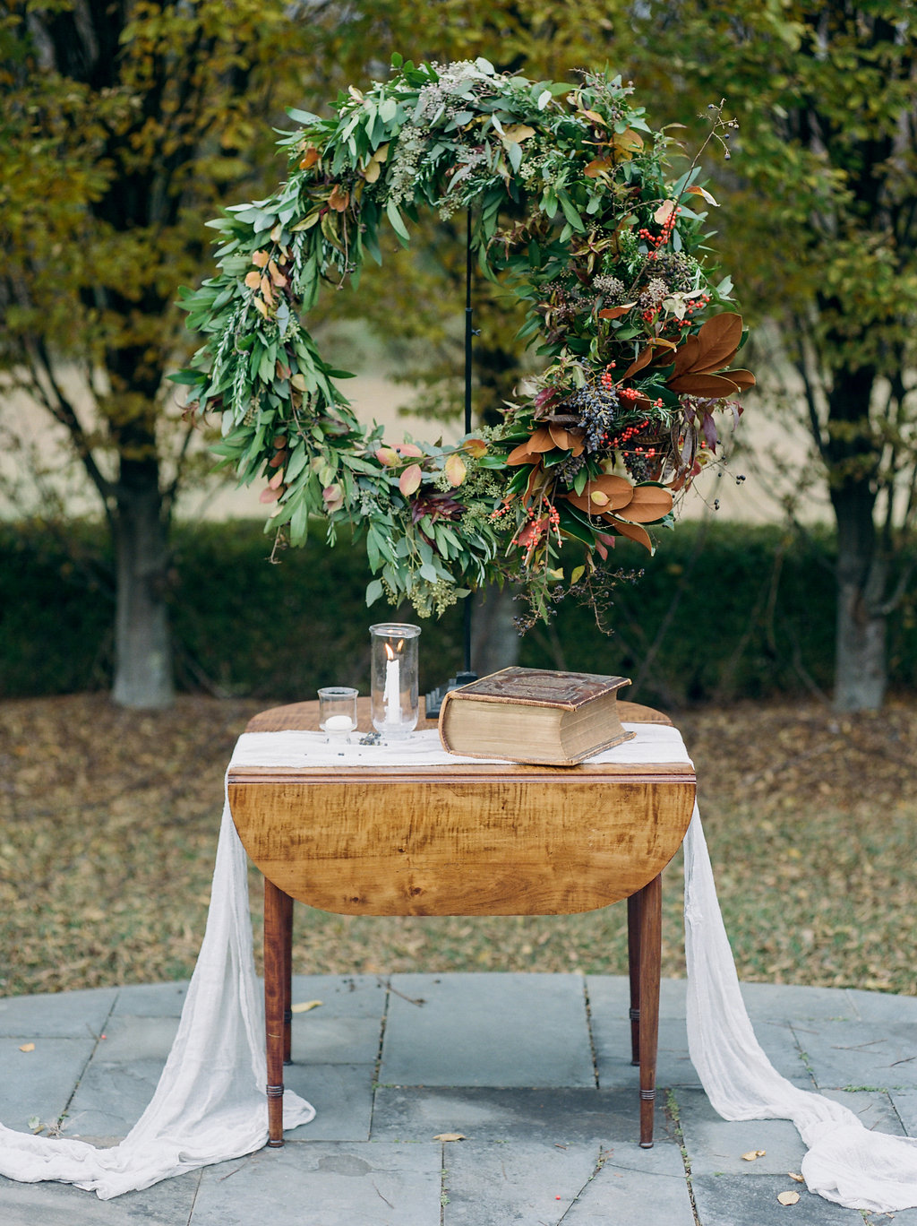 fall wedding ceremony ideas - photo by Lissa Ryan Photography https://ruffledblog.com/modern-romantic-wedding-ideas-with-family-heirlooms