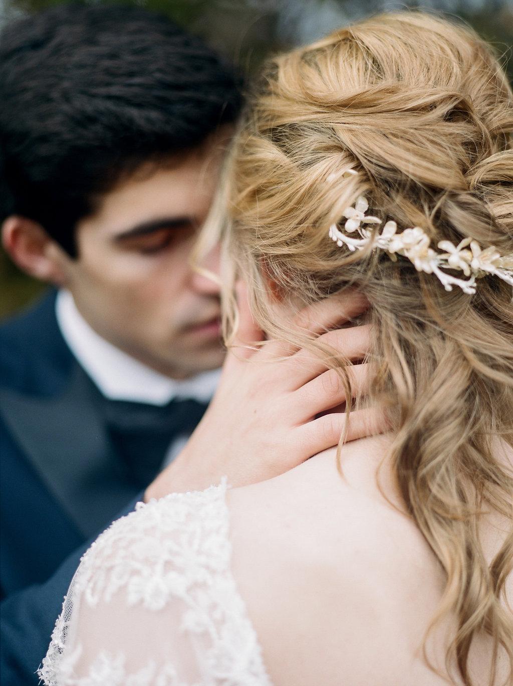 bridal hair accessories - photo by Lissa Ryan Photography https://ruffledblog.com/modern-romantic-wedding-ideas-with-family-heirlooms