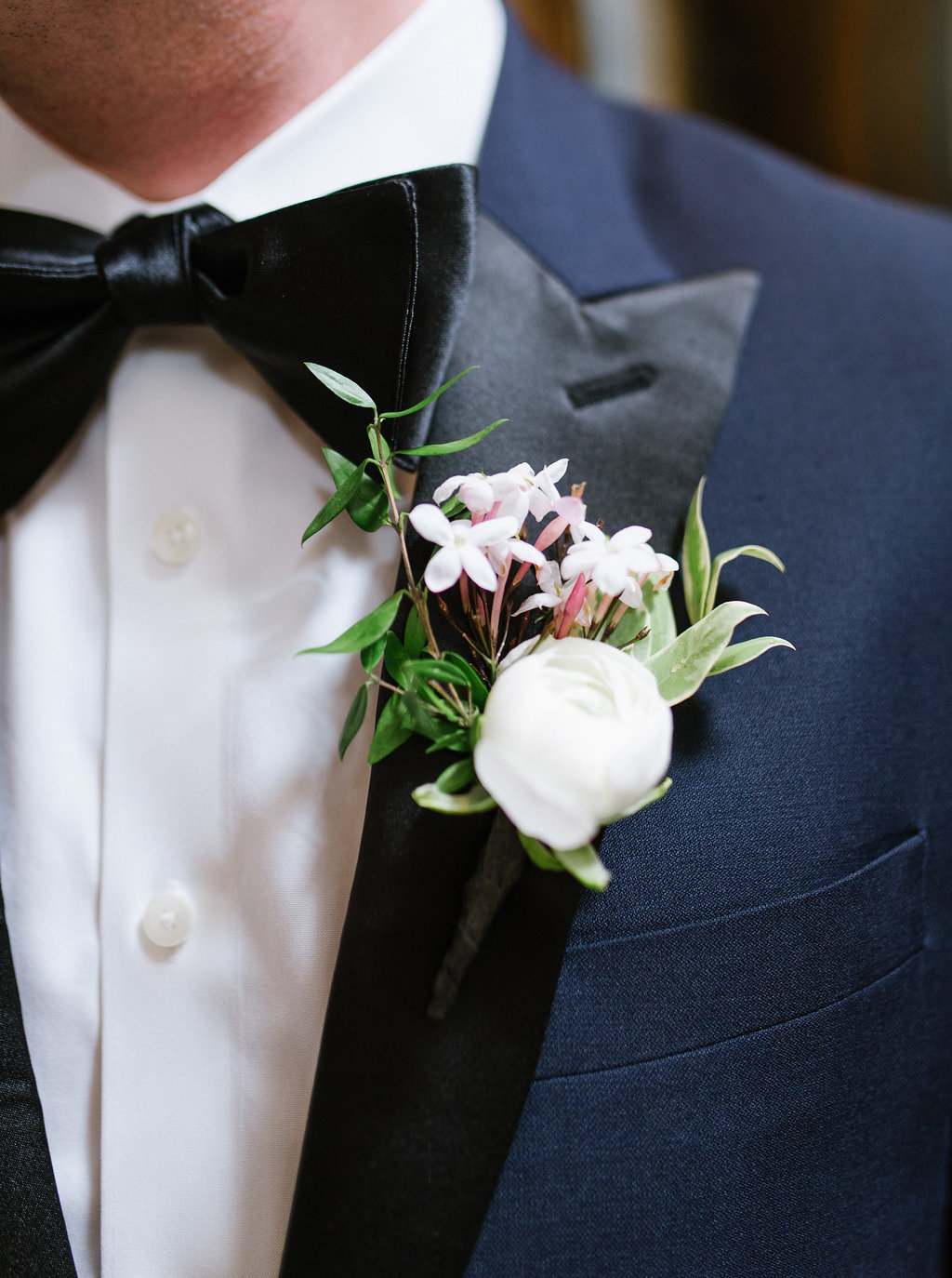 groom boutonnieres - photo by Chelsea Dier Photography https://ruffledblog.com/modern-san-francisco-winery-elopement