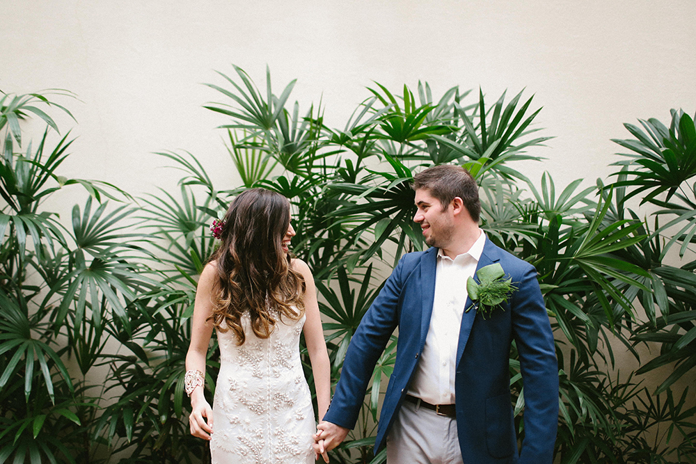 first looks - photo by W and E Photographie http://ruffledblog.com/costa-rica-destination-wedding-with-lots-of-tropical-details