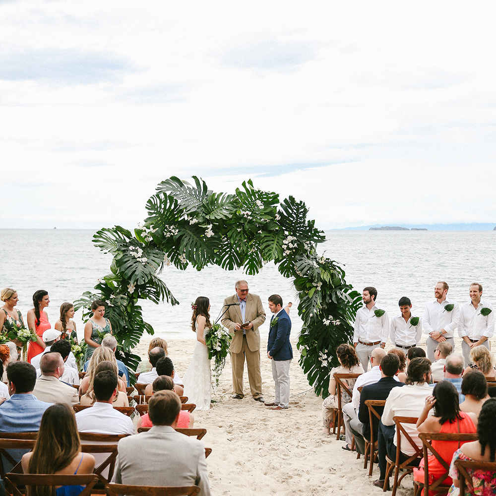 Costa Rica Destination Wedding with Lots of Tropical Details - photo by W and E Photographie https://ruffledblog.com/costa-rica-destination-wedding-with-lots-of-tropical-details