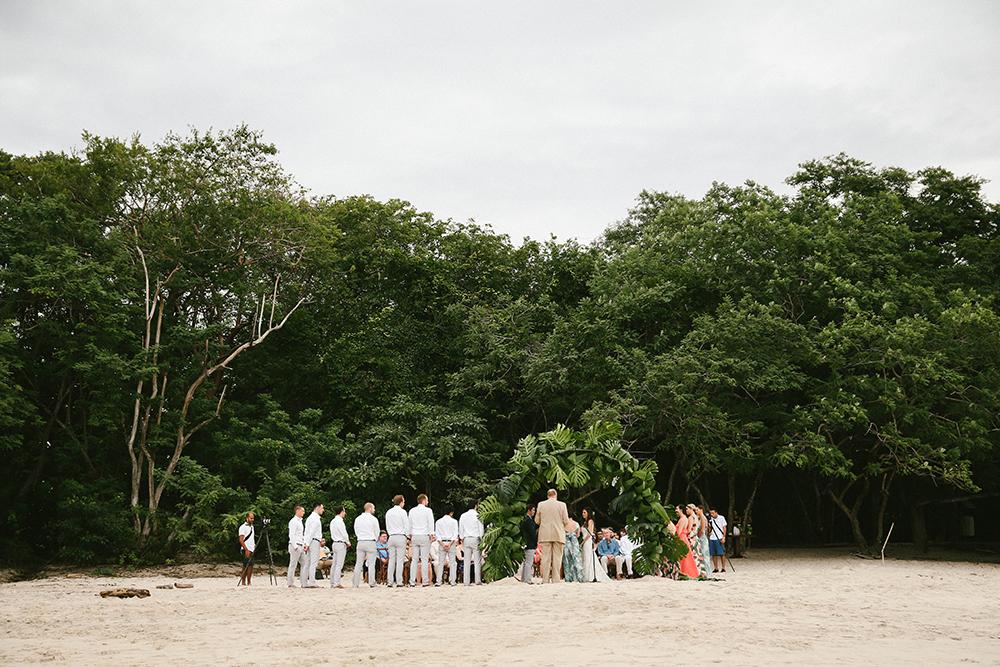 beach wedding ceremonies - photo by W and E Photographie https://ruffledblog.com/costa-rica-destination-wedding-with-lots-of-tropical-details