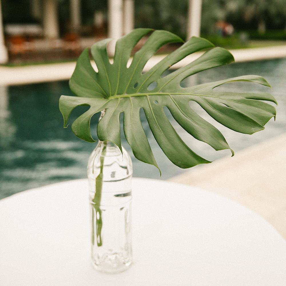 tropical wedding ideas - photo by W and E Photographie https://ruffledblog.com/costa-rica-destination-wedding-with-lots-of-tropical-details