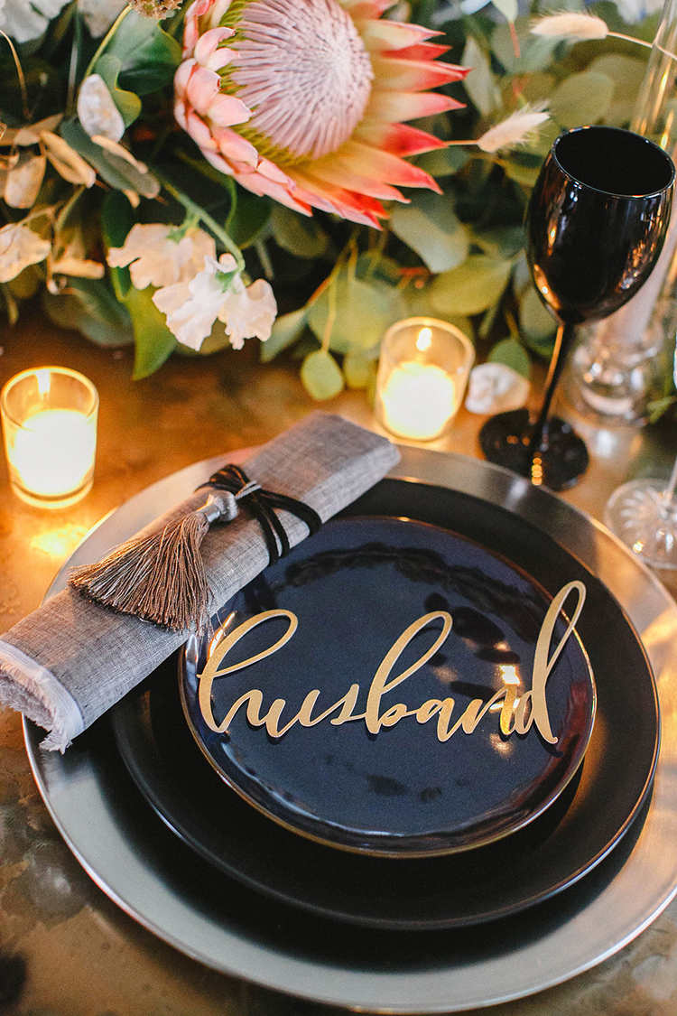modern wedding place settings - photo by Leigh Miller Photography http://ruffledblog.com/modern-wedding-inspiration-with-a-pampas-grass-chandelier