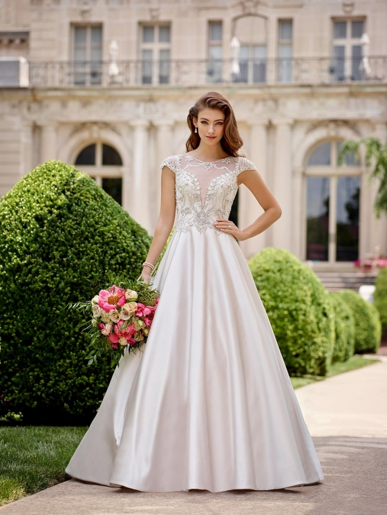 These 7 Sleeved Wedding Dresses Will Make You Forget about Strapless Stat