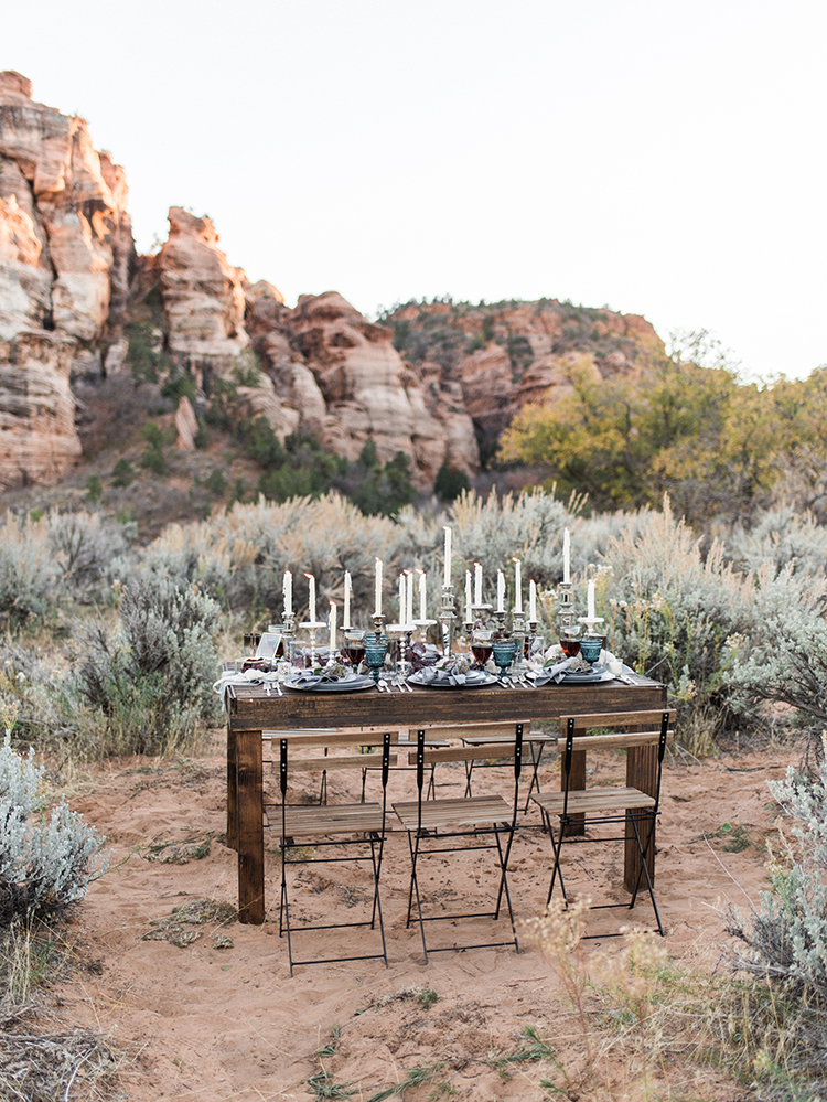 wedding tables - photo by Courtney Hanson Photography http://ruffledblog.com/moody-romantic-zion-national-park-wedding-ideas