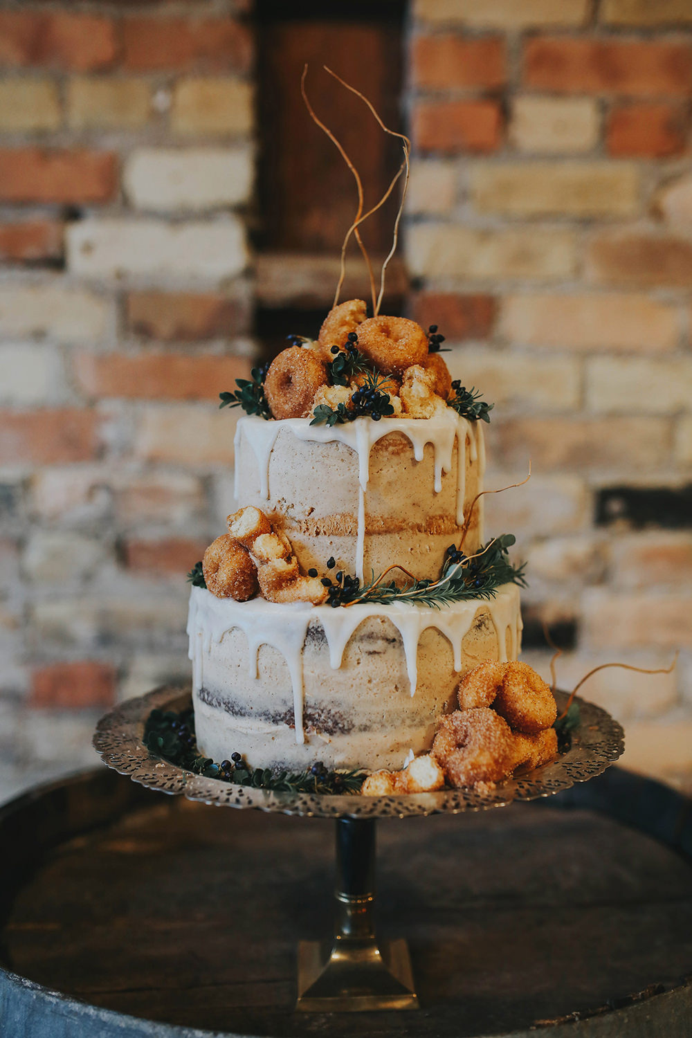 wedding cake - photo by Summer Taylor Photography https://ruffledblog.com/moody-whiskey-bar-wedding-inspiration