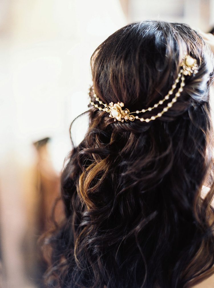 vintage inspired bridal headwear - photo by Greer Gattuso https://ruffledblog.com/new-orleans-wedding-with-the-cutest-woodland-details