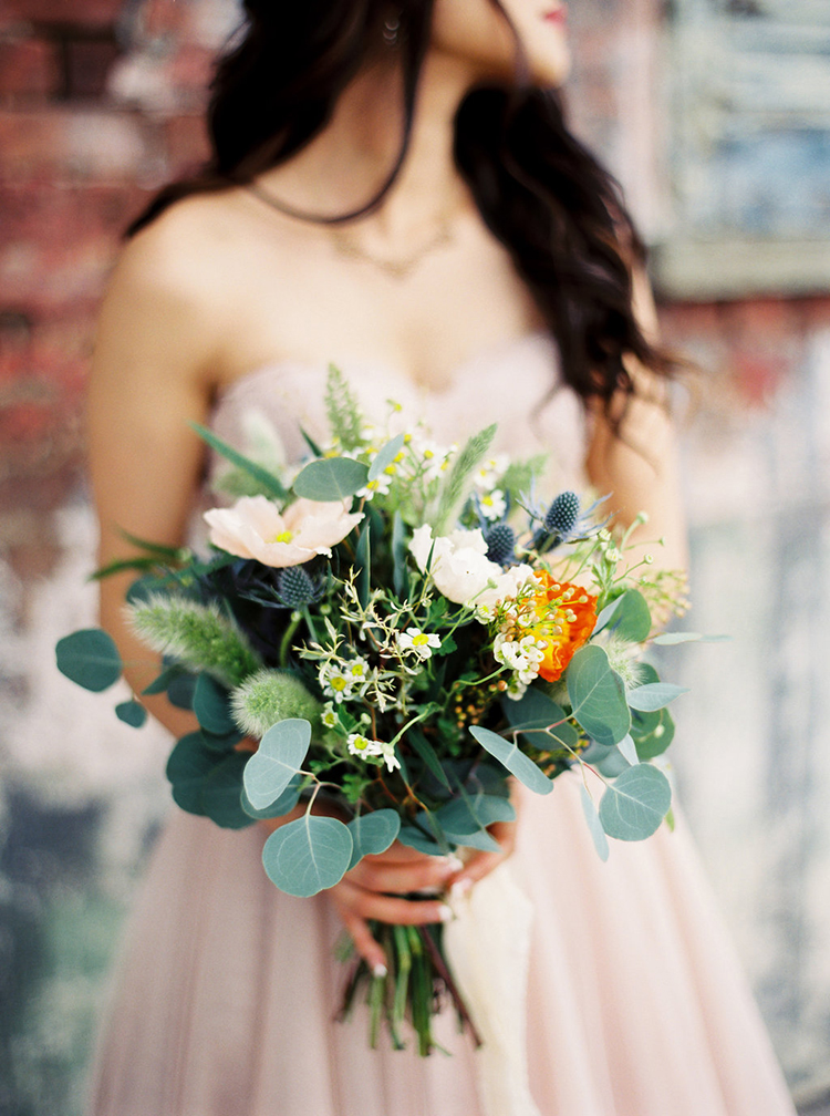 bouquets with eucalyptus leaves - photo by Greer Gattuso https://ruffledblog.com/new-orleans-wedding-with-the-cutest-woodland-details