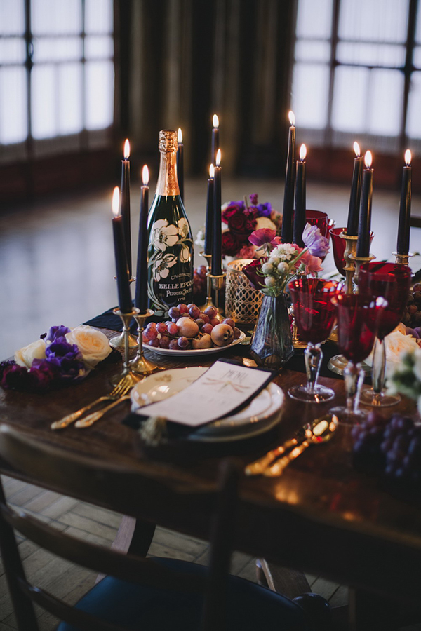 Halloween wedding with Noir inspiration #halloweendecor #wedding