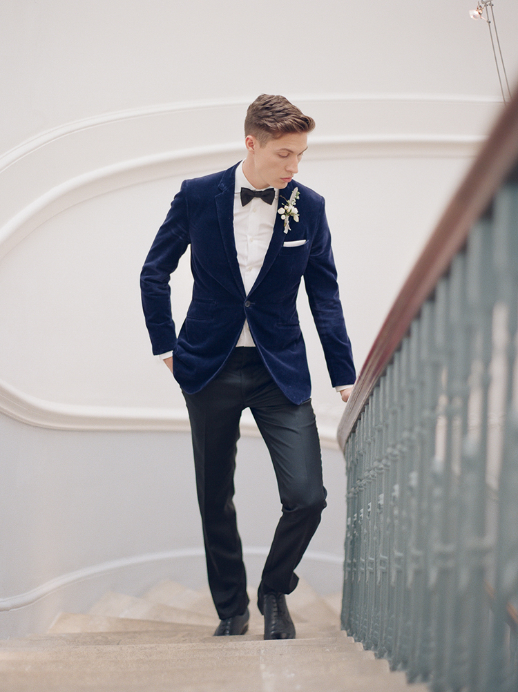 chic groom style - photo by Julie Michaelsen Photography http://ruffledblog.com/old-world-london-wedding-inspiration-with-delicate-details
