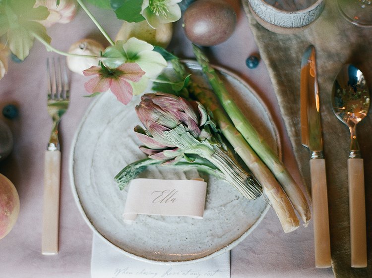 vintage garden inspired place settings - photo by Julie Michaelsen Photography https://ruffledblog.com/old-world-london-wedding-inspiration-with-delicate-details