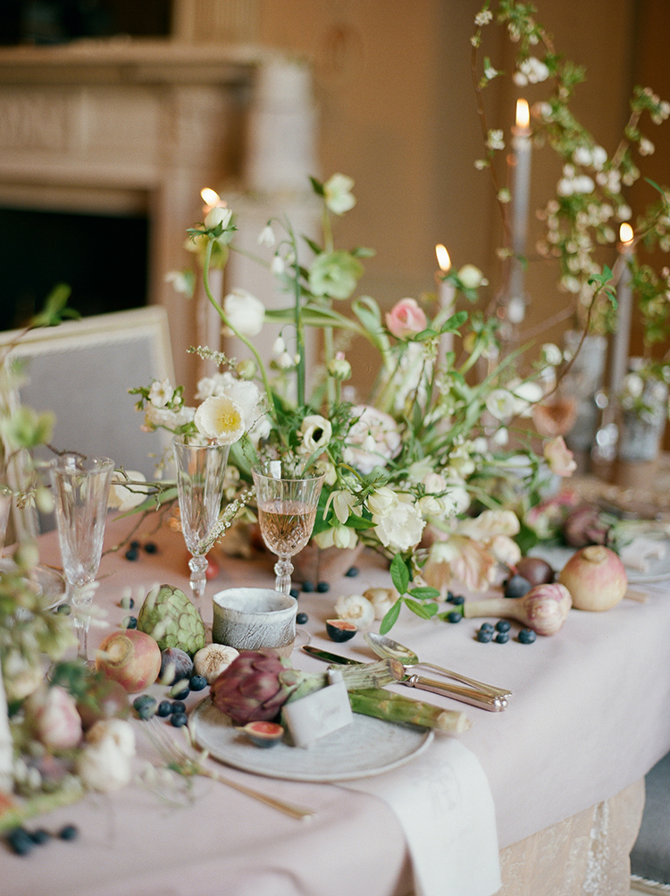 spring wedding tables - photo by Julie Michaelsen Photography http://ruffledblog.com/old-world-london-wedding-inspiration-with-delicate-details