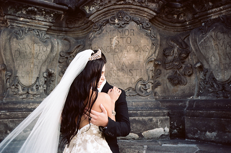 Old World wedding inspiration - photo by Arte de Vie http://ruffledblog.com/old-world-romance-wedding-inspiration-in-prague