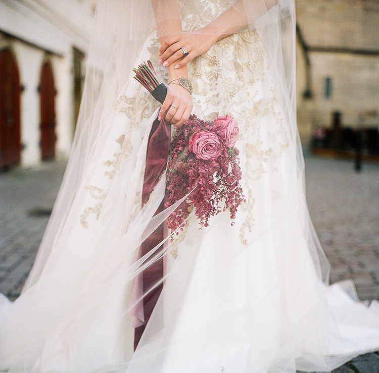 romantic fall wedding bouquets - photo by Arte de Vie http://ruffledblog.com/old-world-romance-wedding-inspiration-in-prague