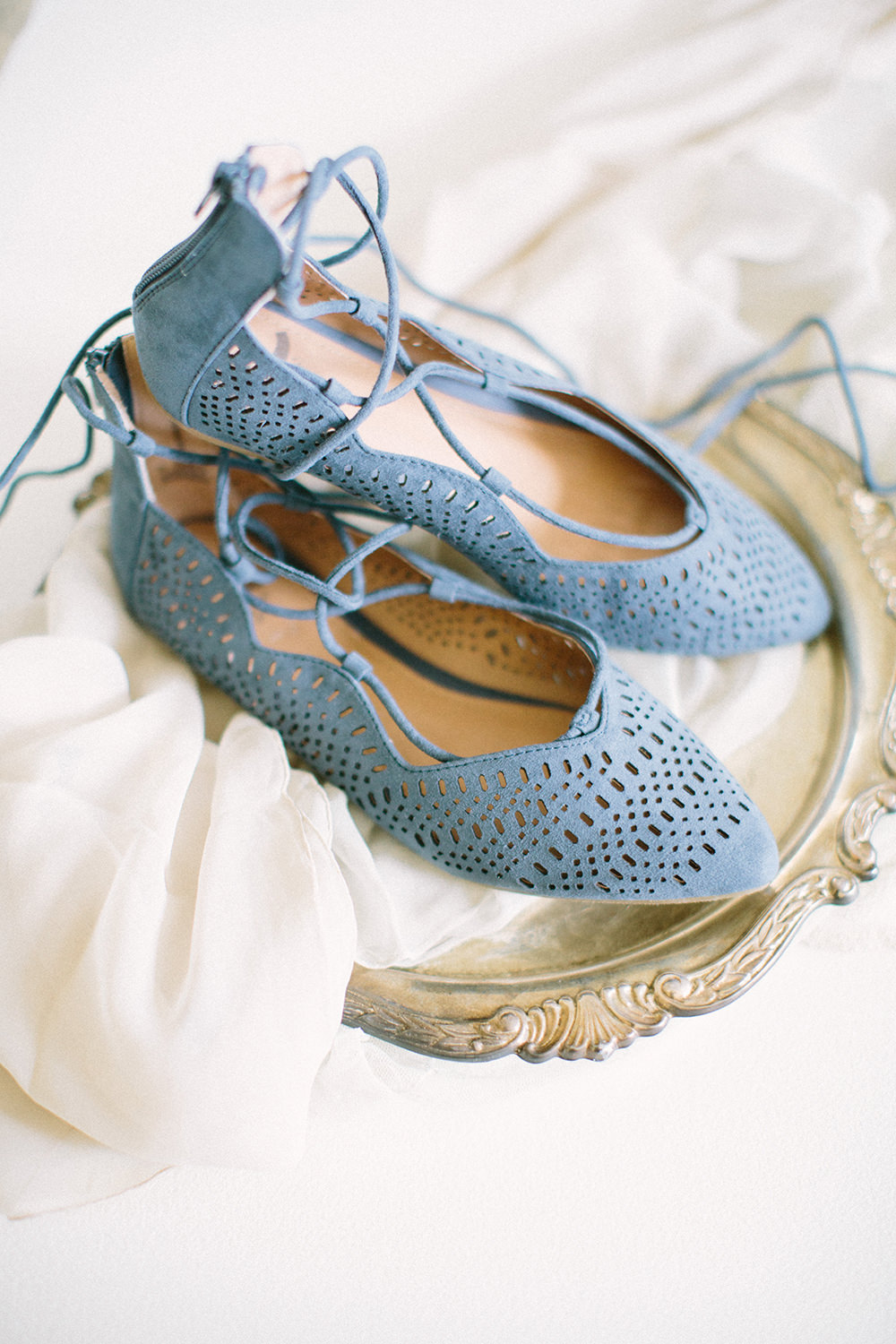 blue wedding shoes - photo by Erica J Photography https://ruffledblog.com/old-world-wedding-editorial-at-vizcaya-museum