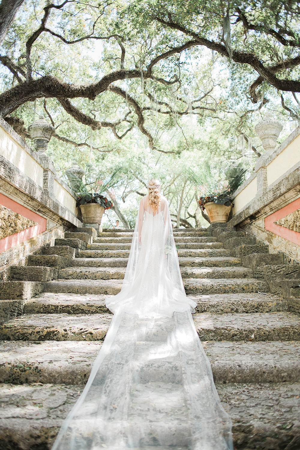 dramatic wedding veils - photo by Erica J Photography https://ruffledblog.com/old-world-wedding-editorial-at-vizcaya-museum