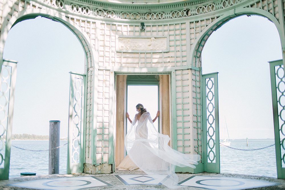 bridal portraits - photo by Erica J Photography https://ruffledblog.com/old-world-wedding-editorial-at-vizcaya-museum