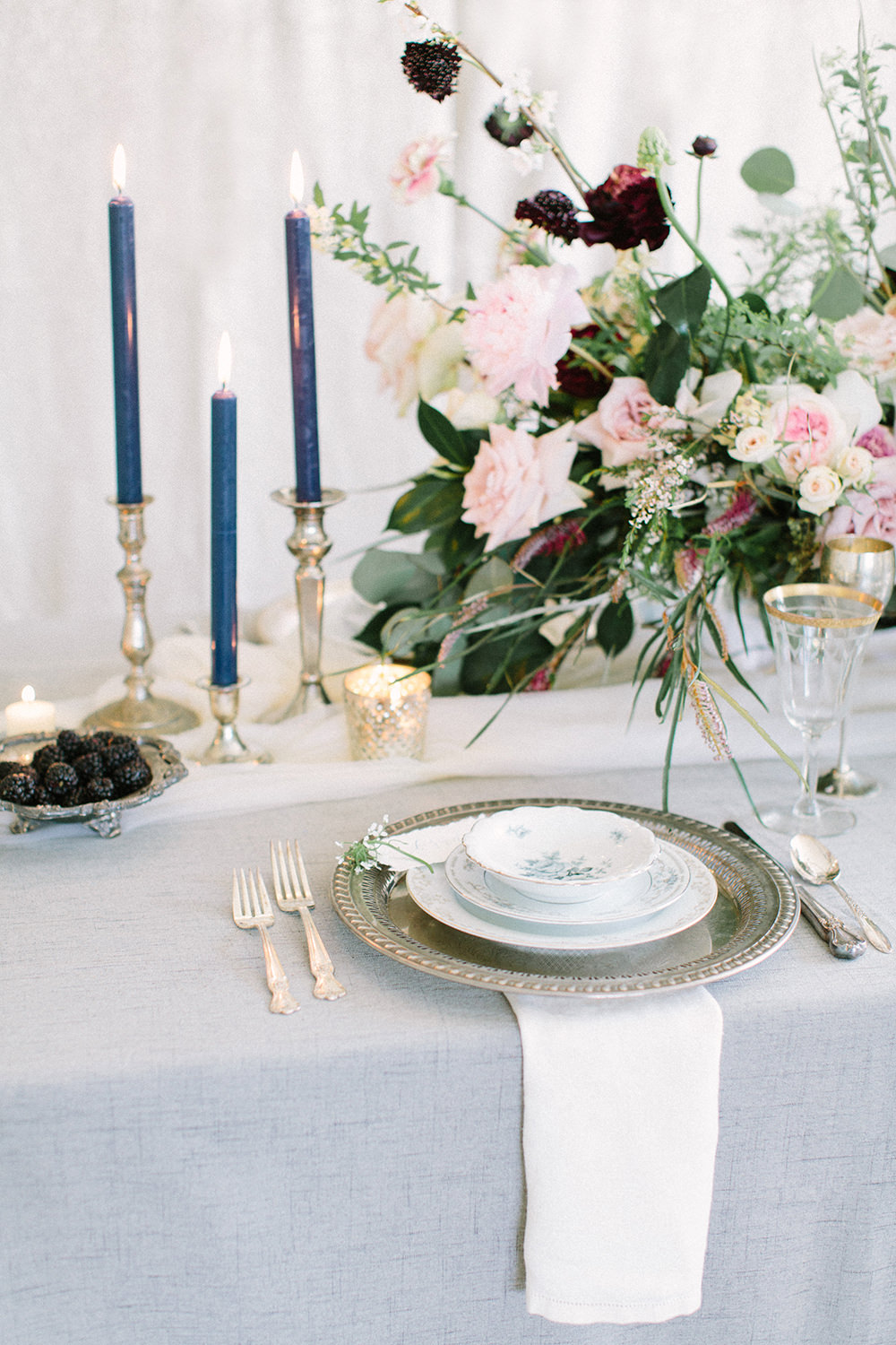 wedding place settings - photo by Erica J Photography https://ruffledblog.com/old-world-wedding-editorial-at-vizcaya-museum