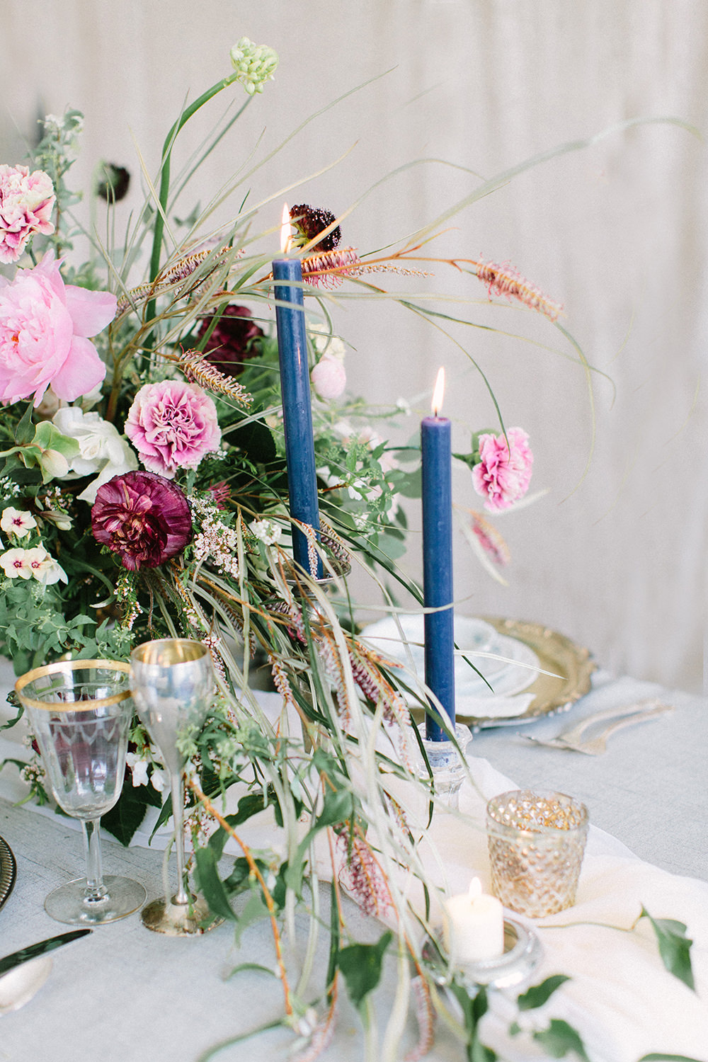 blue tapered candles - photo by Erica J Photography https://ruffledblog.com/old-world-wedding-editorial-at-vizcaya-museum