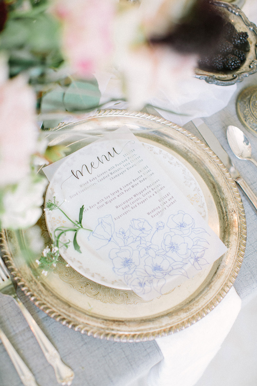place settings - photo by Erica J Photography https://ruffledblog.com/old-world-wedding-editorial-at-vizcaya-museum
