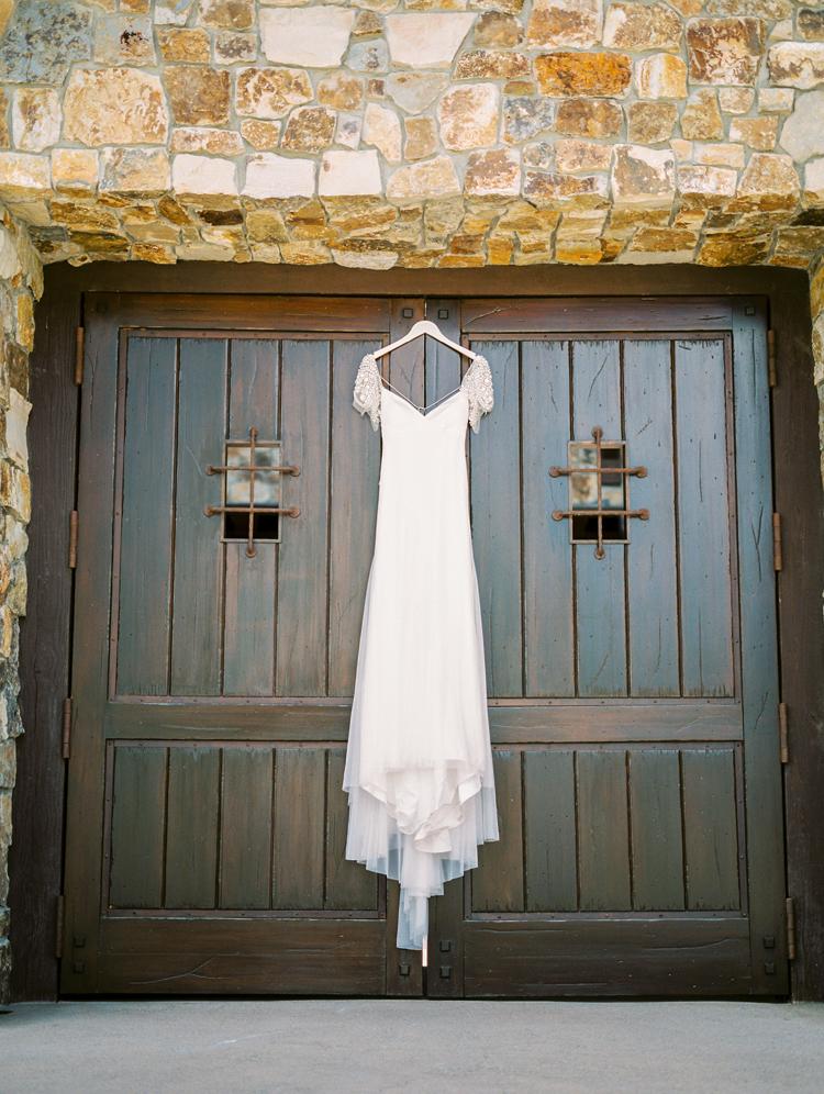 romantic boho wedding dresses - photo by Gabriela Ines Photography http://ruffledblog.com/oregon-resort-wedding-with-bohemian-style