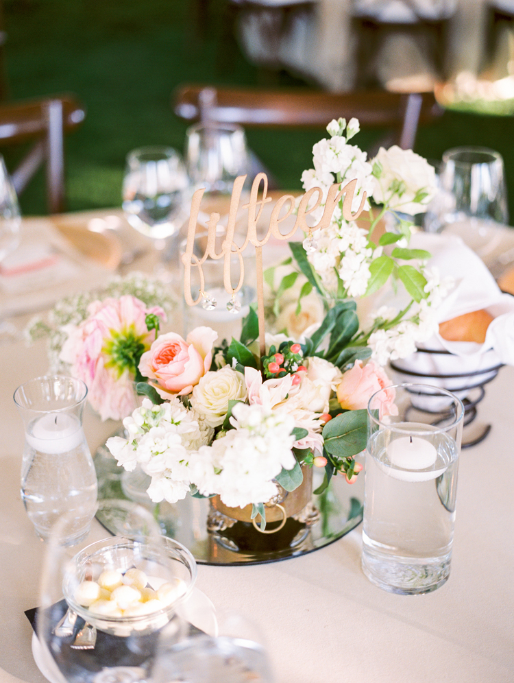 romantic centerpiece ideas - photo by Gabriela Ines Photography https://ruffledblog.com/oregon-resort-wedding-with-bohemian-style