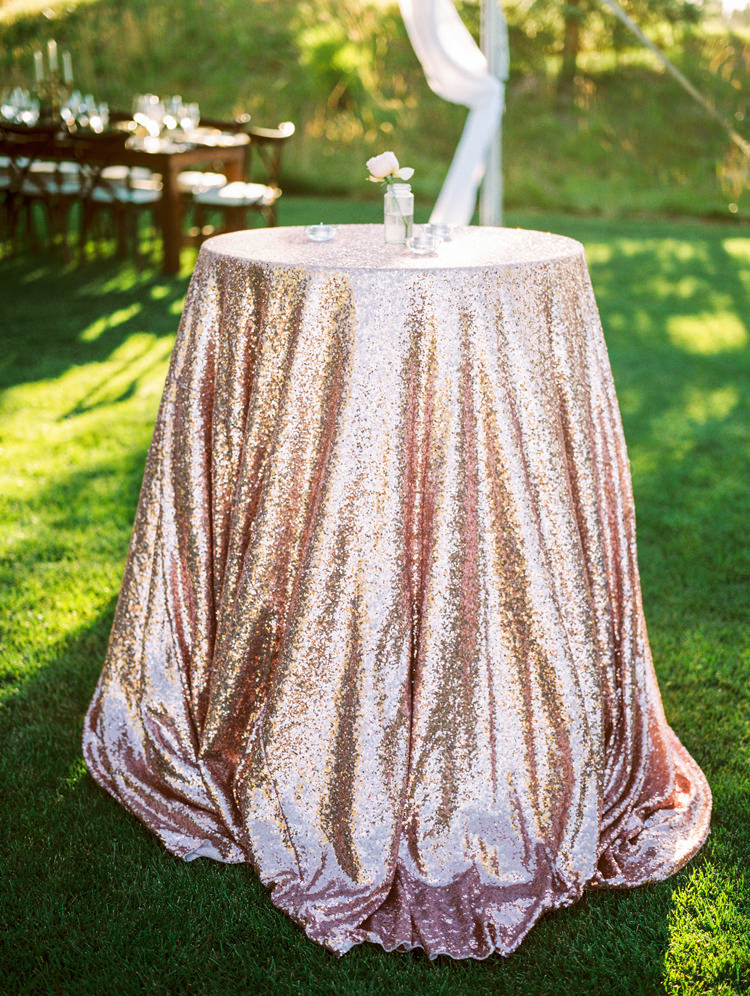 sequin tablescapes - photo by Gabriela Ines Photography https://ruffledblog.com/oregon-resort-wedding-with-bohemian-style