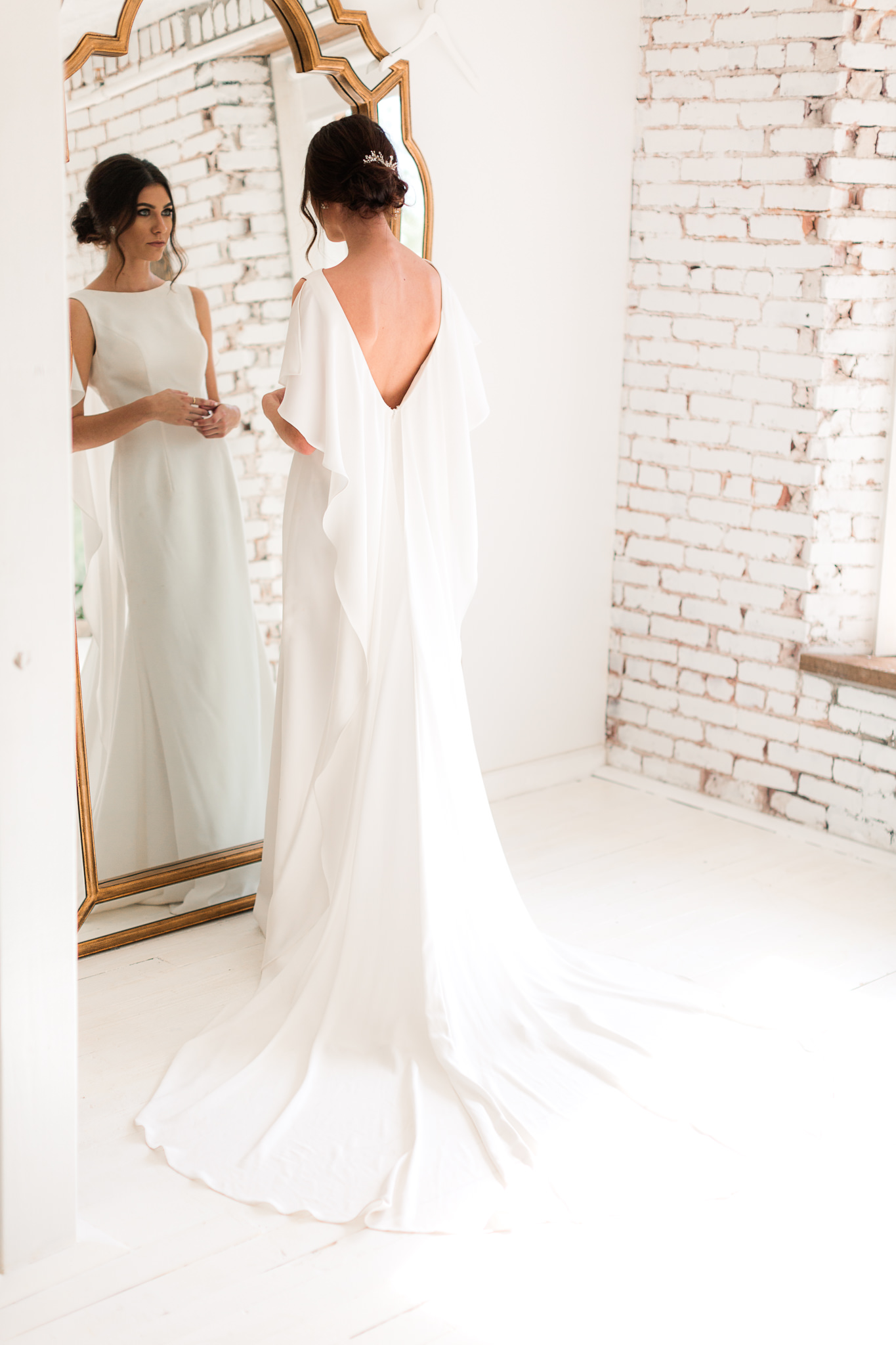 wedding dresses with cape sleeves - photo by B.Matthews Creative https://ruffledblog.com/organic-italian-inspired-wedding-ideas