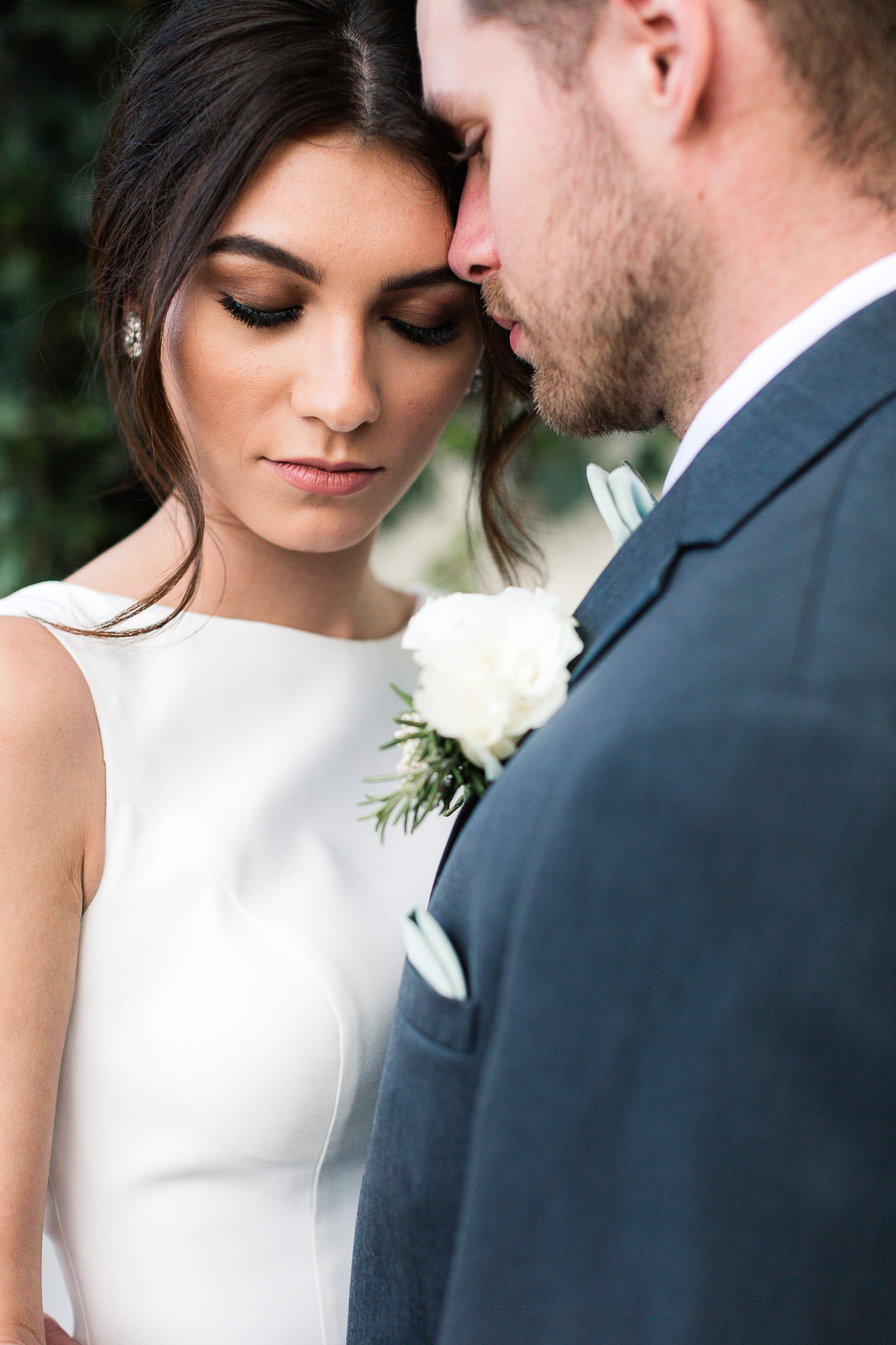 bridal style - photo by B.Matthews Creative https://ruffledblog.com/organic-italian-inspired-wedding-ideas