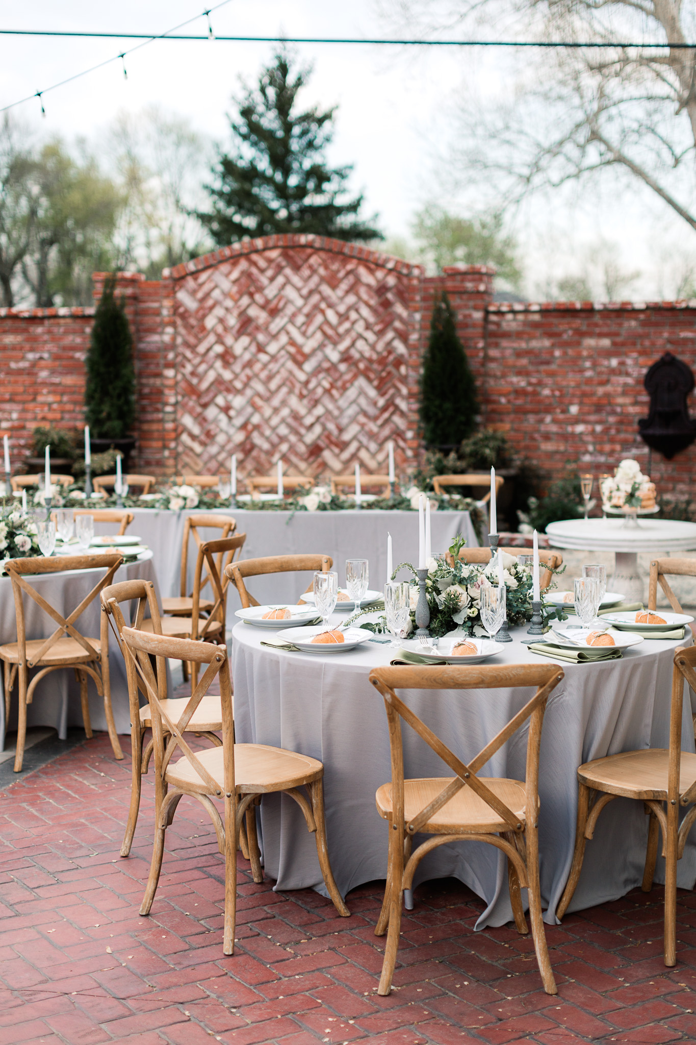 wedding receptions - photo by B.Matthews Creative https://ruffledblog.com/organic-italian-inspired-wedding-ideas