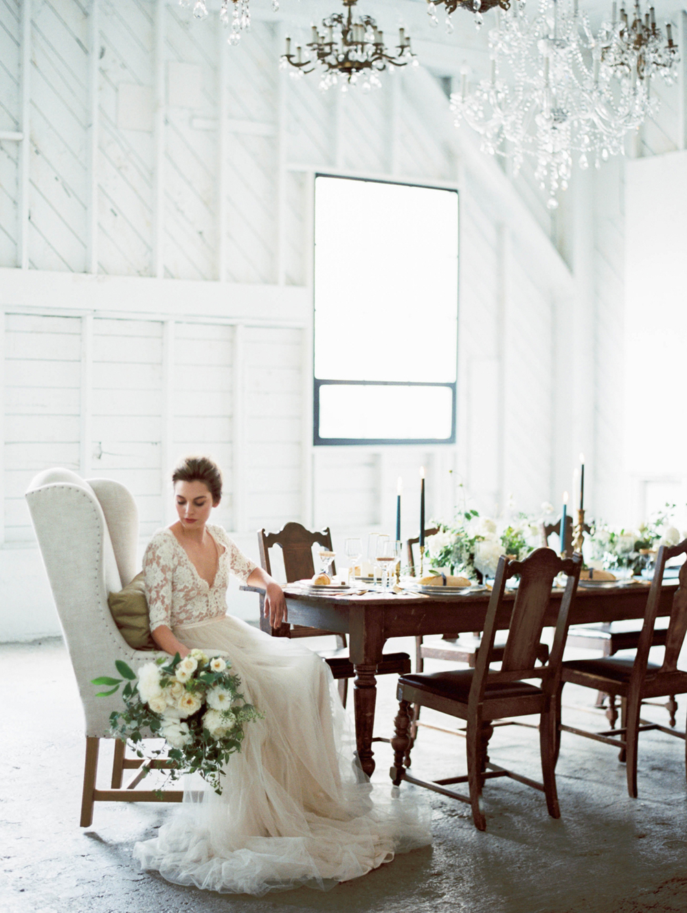 Organic Lush Wedding Inspiration with Elegant Details - photo by Maria Lamb http://ruffledblog.com/organic-lush-wedding-inspiration-with-elegant-details