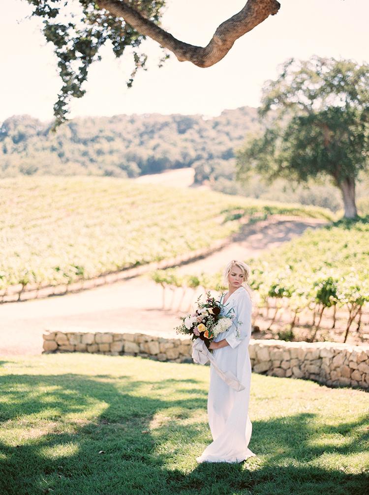 wedding inspiration - photo by Kara Miller http://ruffledblog.com/organic-romantic-wedding-inspiration