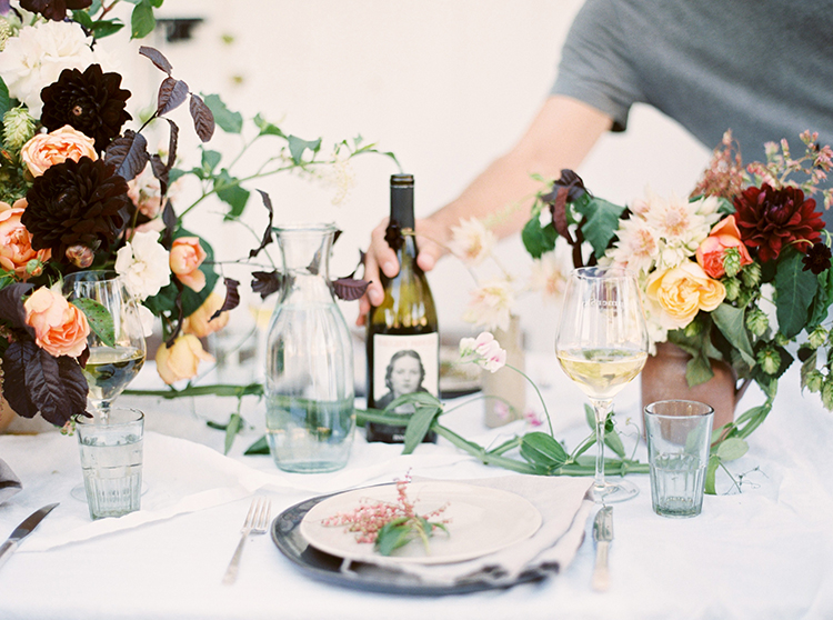 wedding tablescapes - photo by Kara Miller https://ruffledblog.com/organic-romantic-wedding-inspiration