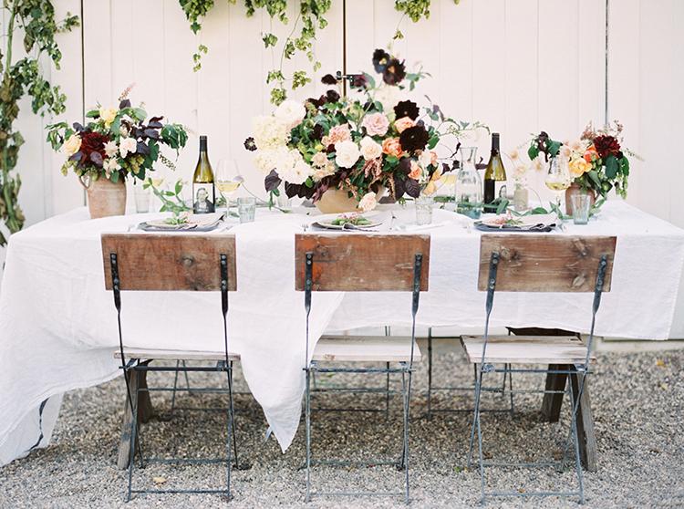 wedding reception tables - photo by Kara Miller https://ruffledblog.com/organic-romantic-wedding-inspiration