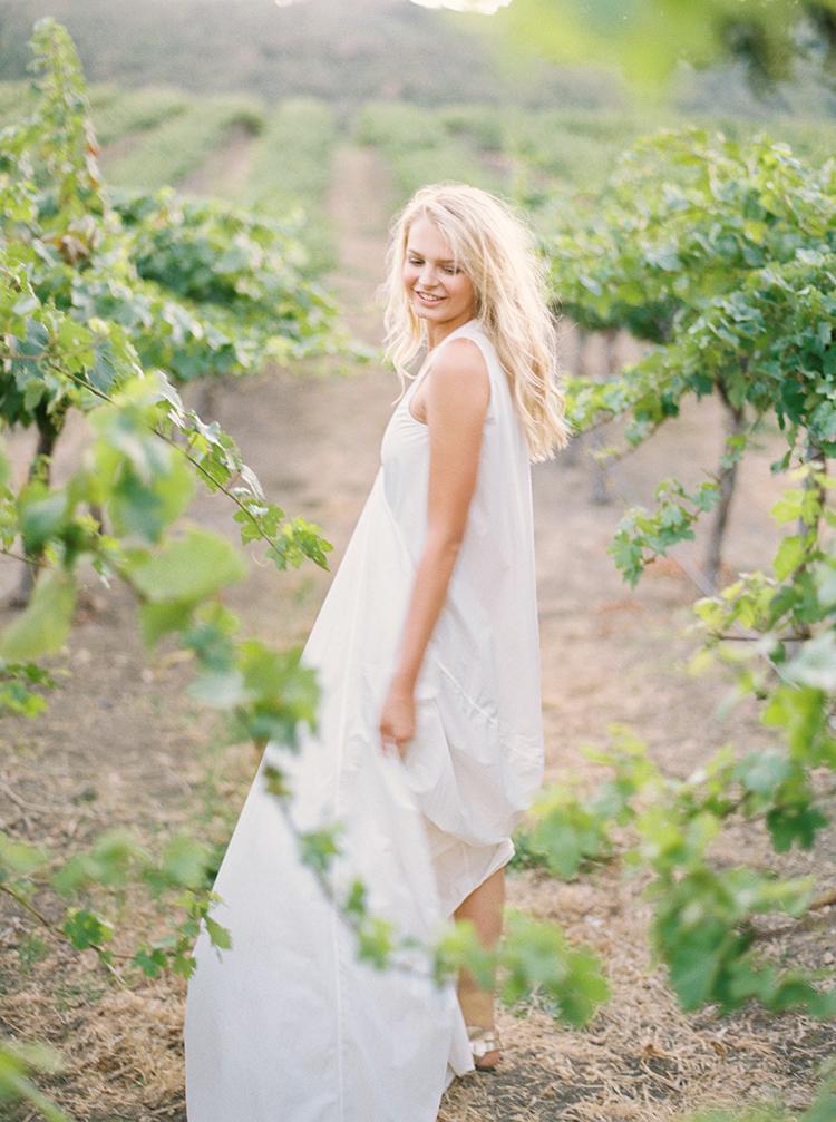 unique wedding dresses - photo by Kara Miller https://ruffledblog.com/organic-romantic-wedding-inspiration