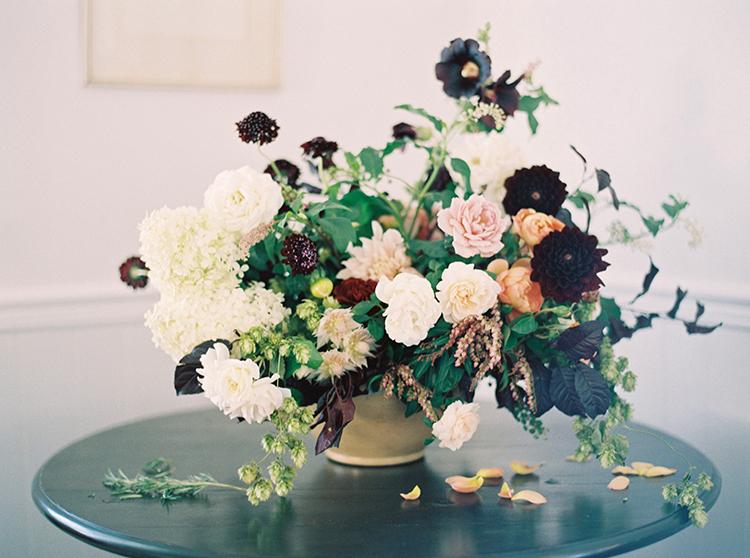 centerpieces - photo by Kara Miller https://ruffledblog.com/organic-romantic-wedding-inspiration