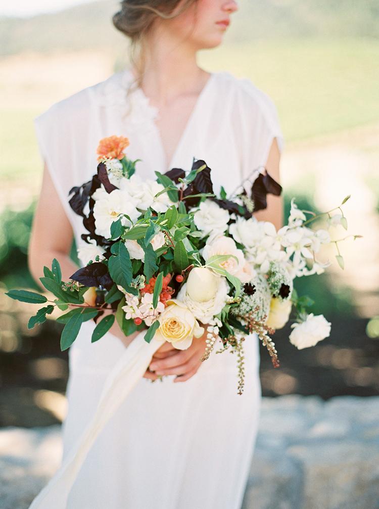 romantic organic bouquets - photo by Kara Miller https://ruffledblog.com/organic-romantic-wedding-inspiration