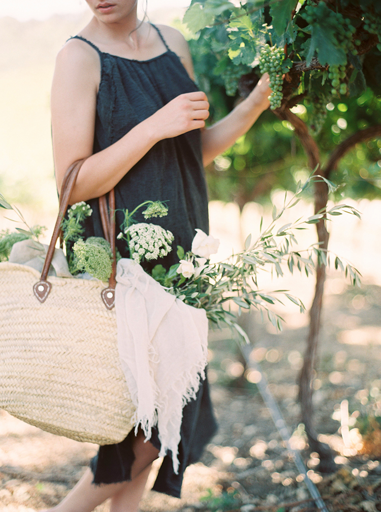 wedding ideas - photo by Kara Miller http://ruffledblog.com/organic-romantic-wedding-inspiration