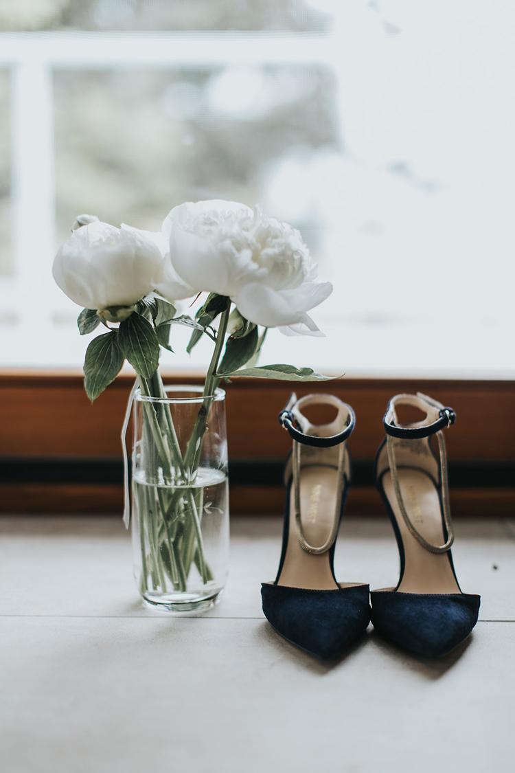 blue velvet wedding shoes - photo by Rivkah Photography https://ruffledblog.com/pacific-northwest-wedding-with-a-secret-waterfall