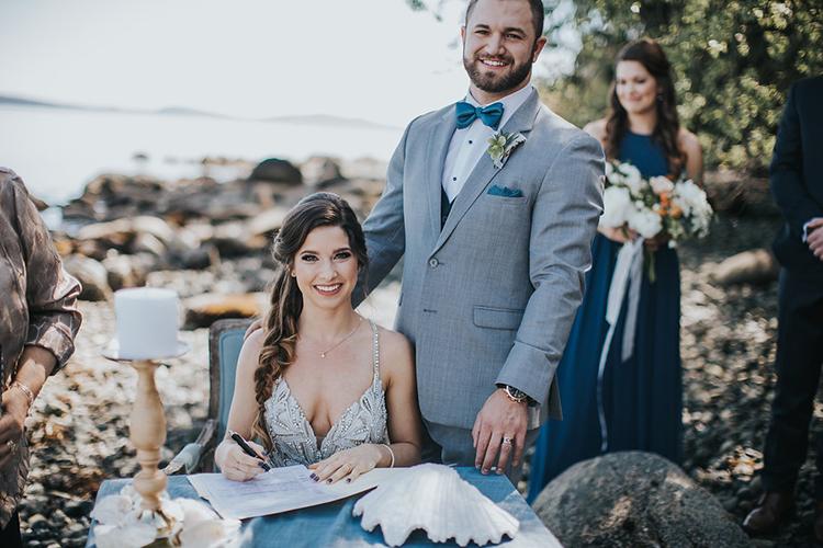 beach wedding ceremonies - photo by Rivkah Photography https://ruffledblog.com/pacific-northwest-wedding-with-a-secret-waterfall