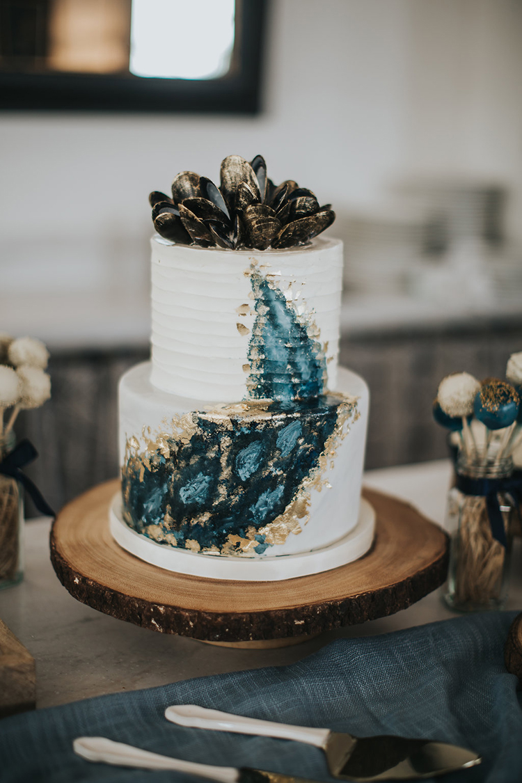 agate wedding cakes - photo by Rivkah Photography https://ruffledblog.com/pacific-northwest-wedding-with-a-secret-waterfall