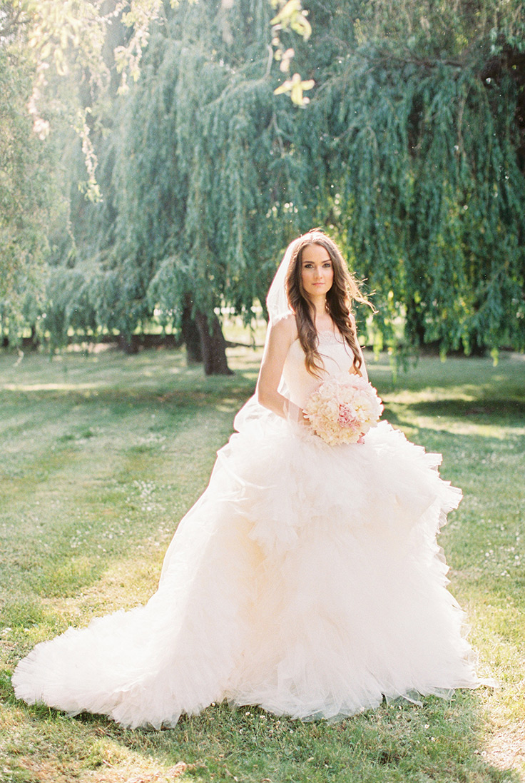 Pure Elegance with Peach and Silver Wedding Ideas #elegantwedding #weddingtable #weddings  https://ruffledblog.com/peach-silver-wedding-ideas