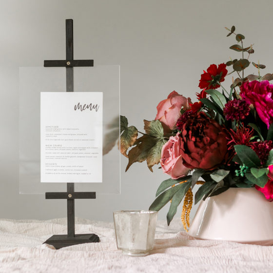 This DIY Tabletop Photo Easel is a Must-Make!