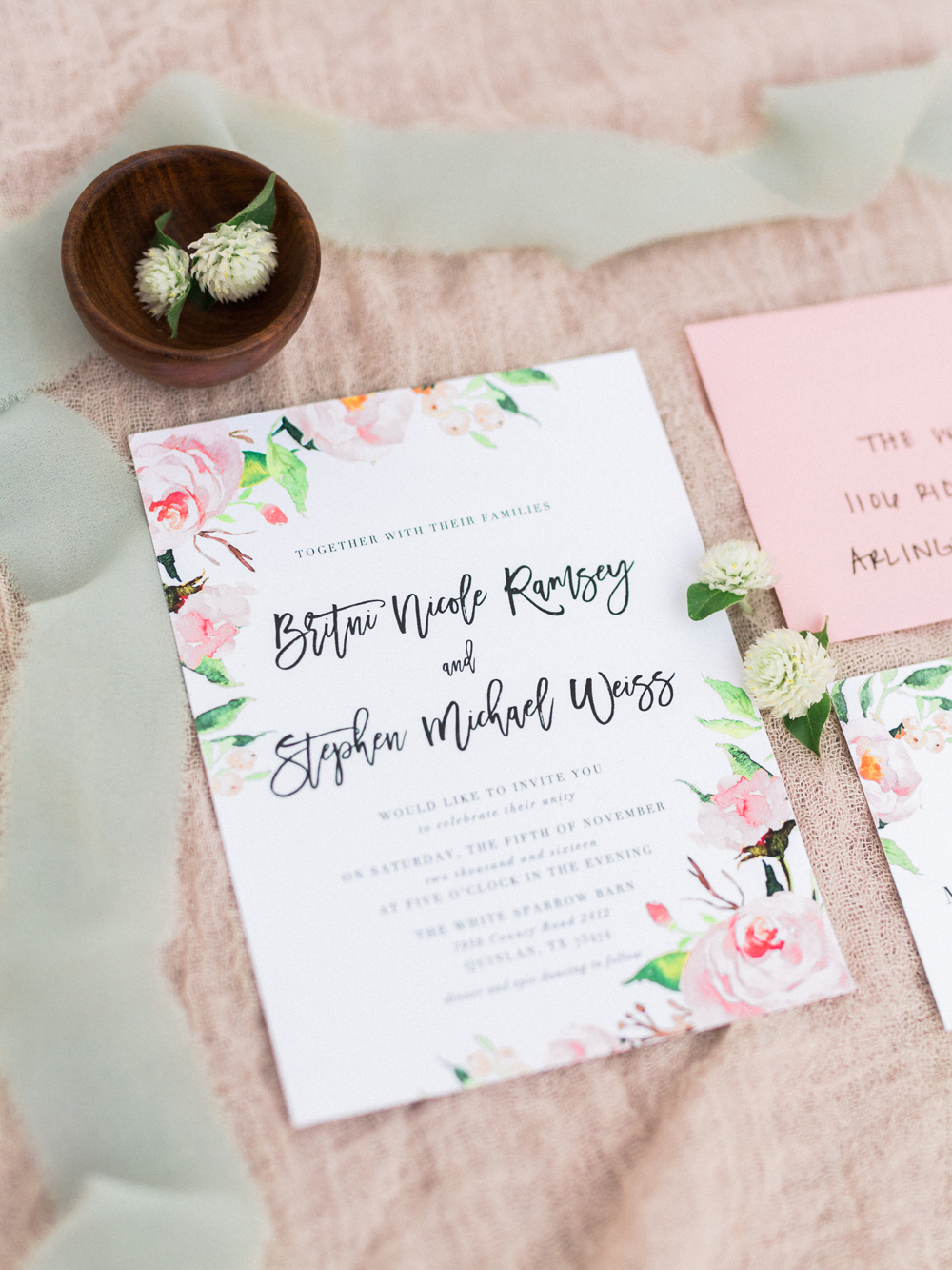 wedding stationery - photo by Elisabeth Carol Photography https://ruffledblog.com/picturesque-garden-wedding-at-white-sparrow-barn