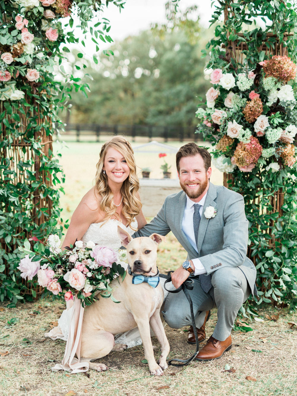 pets at weddings - photo by Elisabeth Carol Photography https://ruffledblog.com/picturesque-garden-wedding-at-white-sparrow-barn