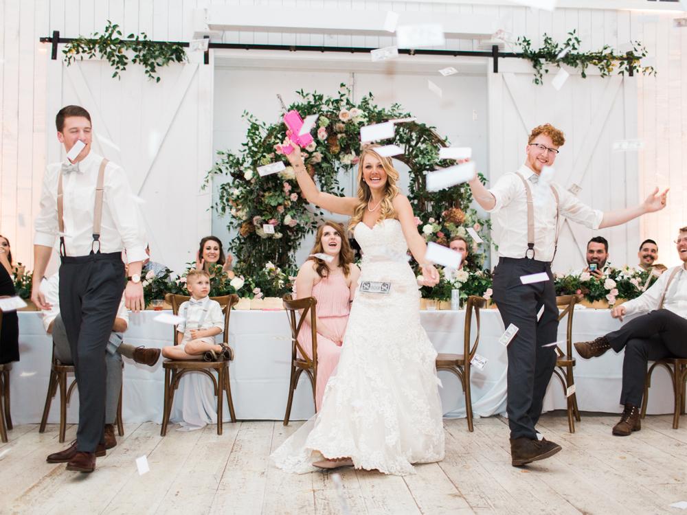 wedding inspiration - photo by Elisabeth Carol Photography http://ruffledblog.com/picturesque-garden-wedding-at-white-sparrow-barn