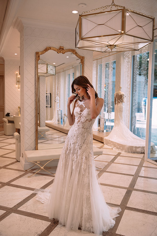 Pronovias is sharing their best tips on how to make the best of your bridal shopping experience! #bridalsalon #weddingdresses #pronovias See more:  https://ruffledblog.com/bridal-shopping-experience-tips
