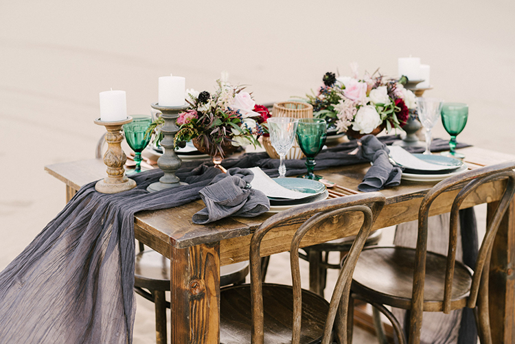 wedding tablescapes - photo by Saje Photography http://ruffledblog.com/real-sand-dunes-elopement-with-a-black-wedding-gown